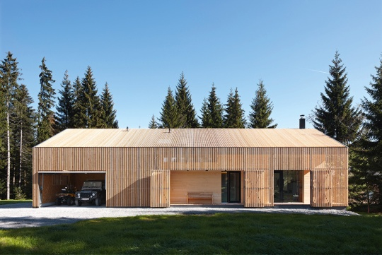 House Hunter Exterior - Wood=Larch