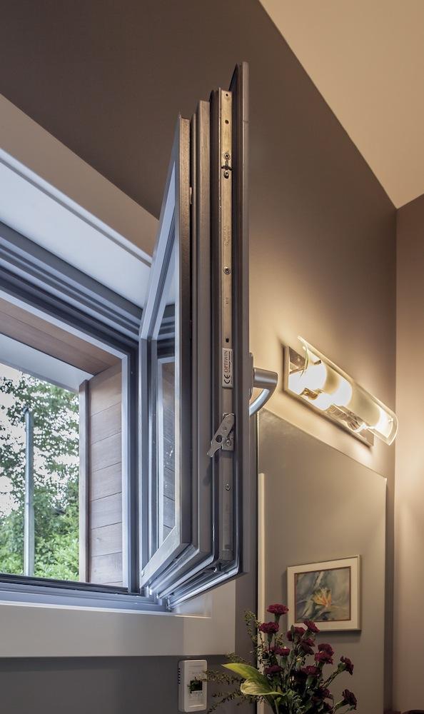 Surrey Passive House Wood Window   Optiwin
